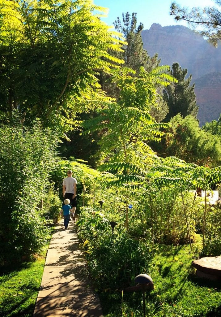 Cliffrose Lodge and Garden