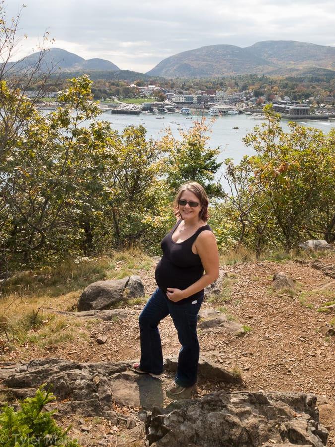Pregnant ladies CAN go for a hike!
