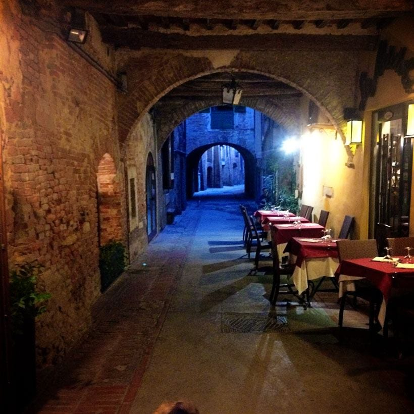 Ristorante-La-Briciola-in-an-atmospheric-walkway-Montepulciano