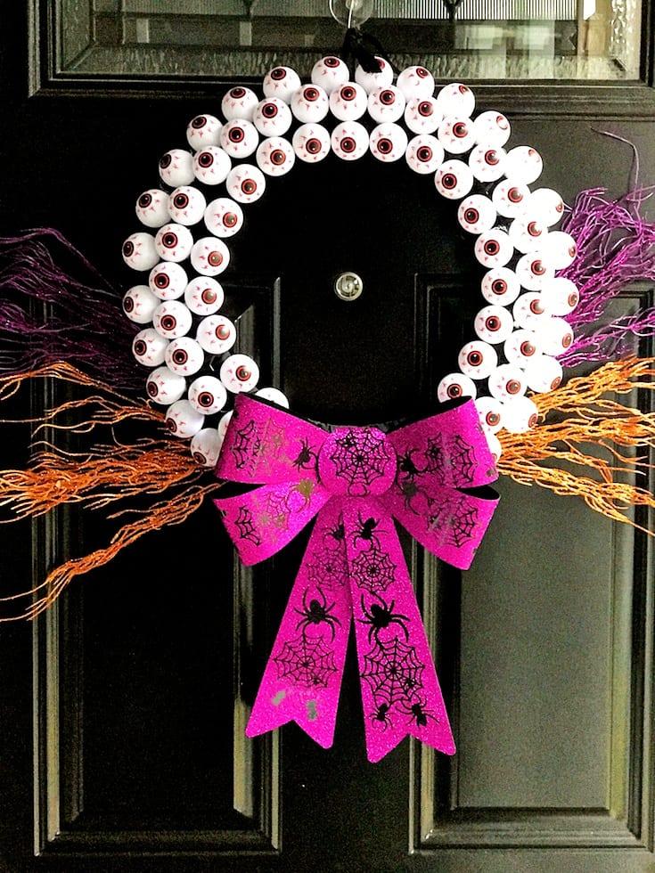 DIY Eyeball Halloween Wreath