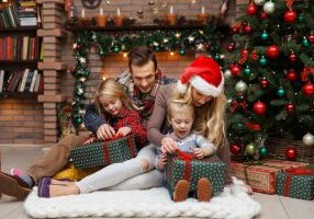 7 Tips For Managing The Holidays With Toddlers